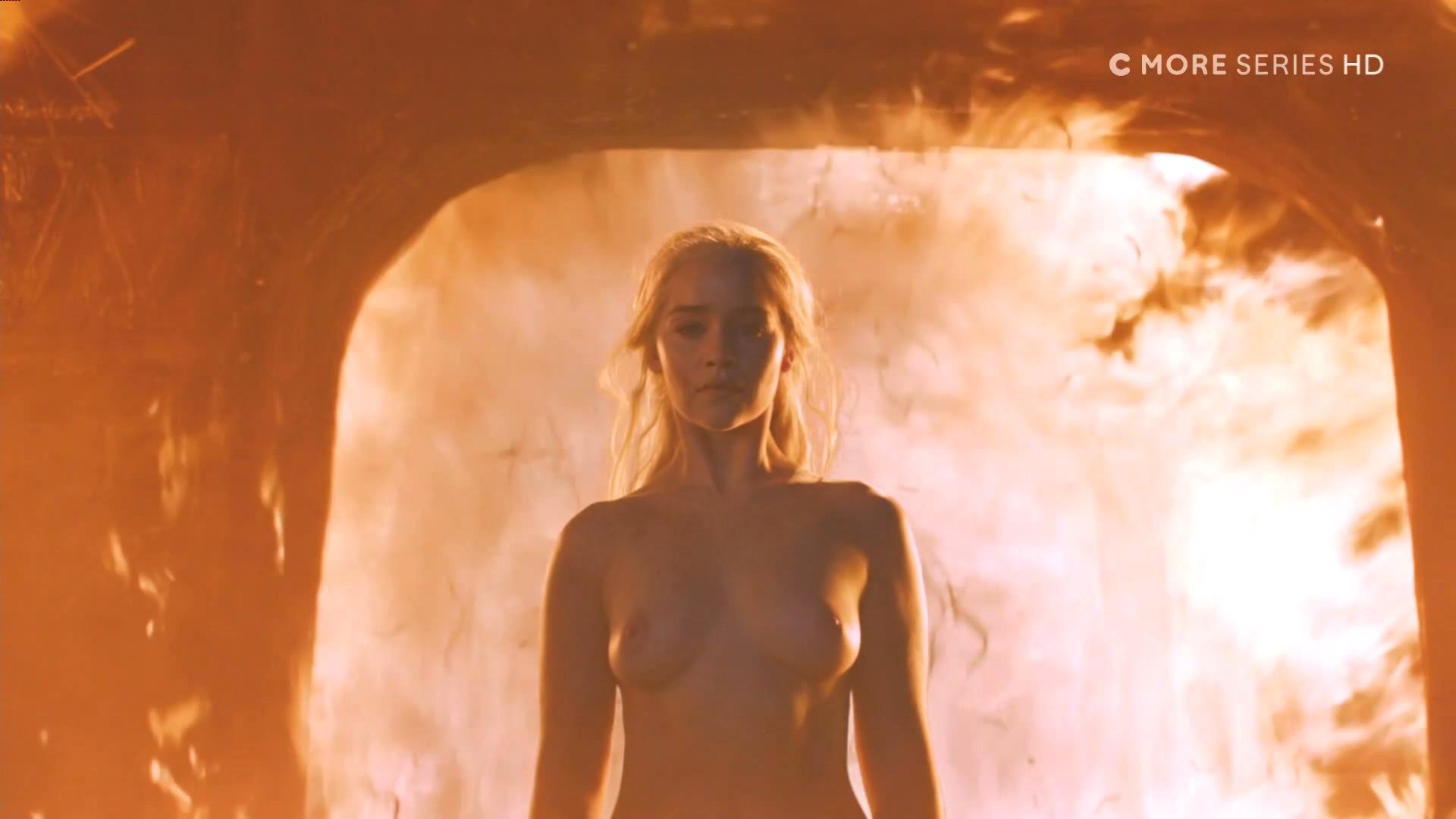 Emilia-Clarke-Nude-3-1.jpg