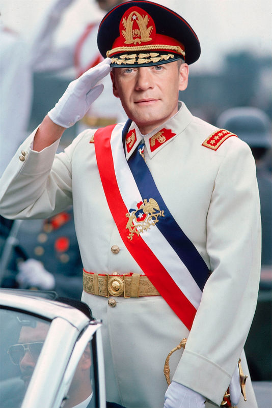 dictatorronPinochet.jpg