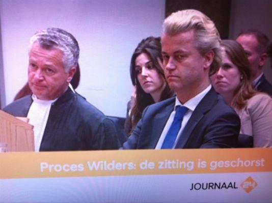 Geenstijl: #wildersproces. moszko wraakt rechtbank opnieuw