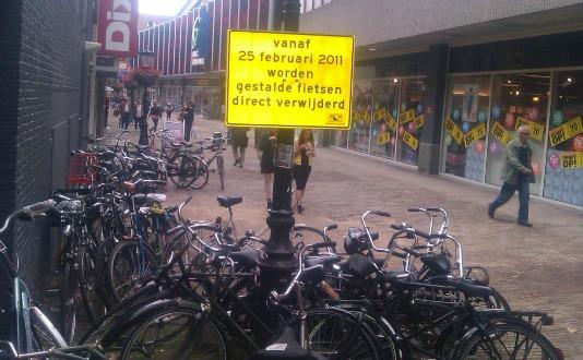 fietsenverwijderenmuhahahaha.jpg