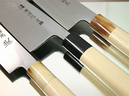 knifessuperja.jpg