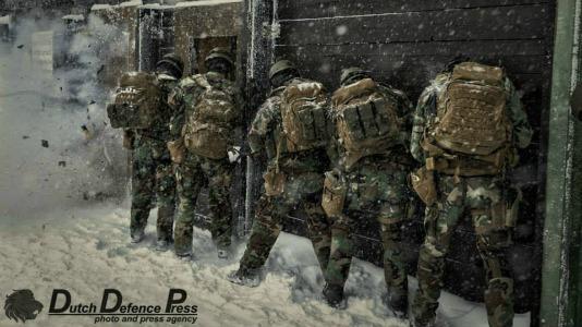marine16.jpg