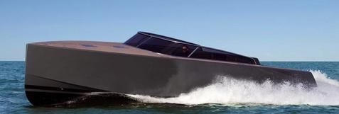 moszkoboot477.jpg