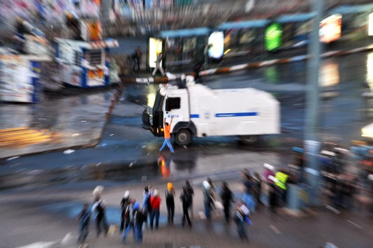 traangasgranaatmetingebouwdecamera.jpg
