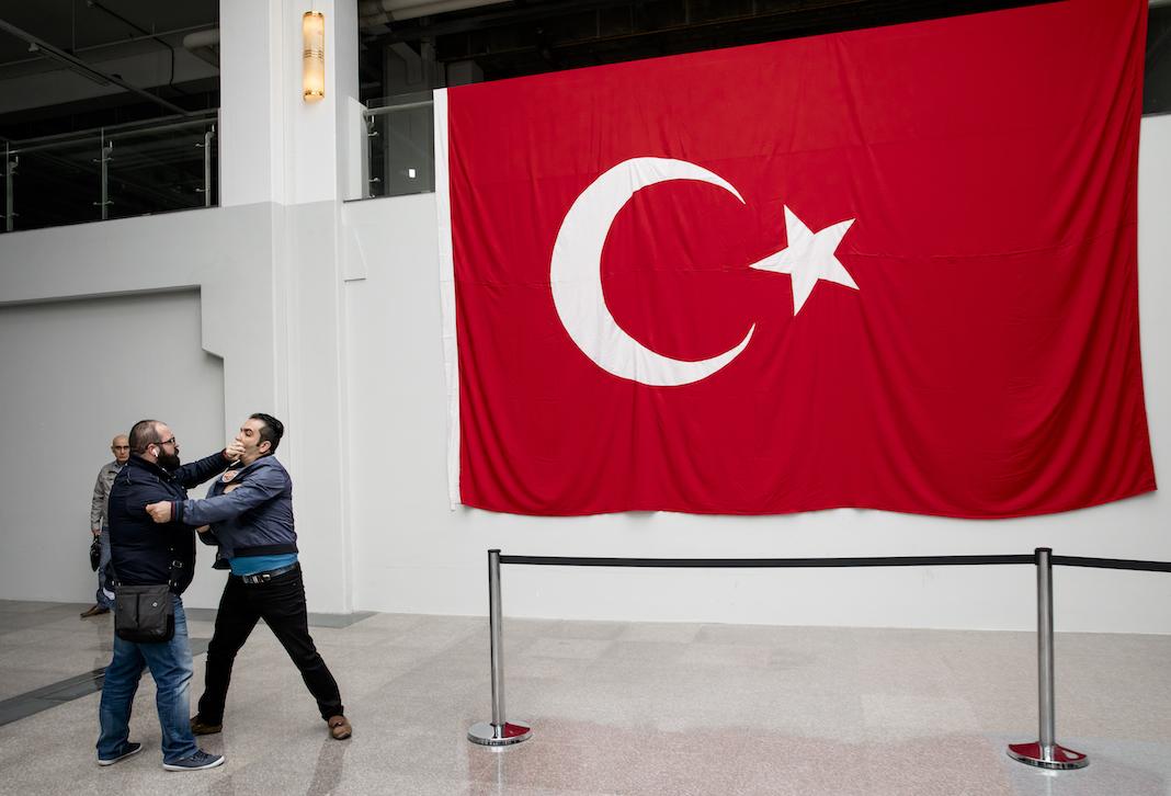Verkiezingen turkije de turkse minister mag niet spreken for Turkse reisbureau den haag